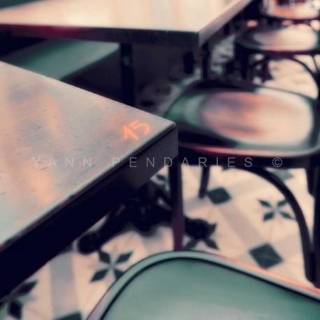 photo de bistrot à paris, La pause café N°2, photographie artistique de paysage urbain