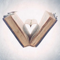 The book of love - Photographie d'art - Photographie artistique